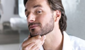Philips-Norelco-Qt4050-Beard-and-Mustache-Trimmer-With-Vacuum-System-02