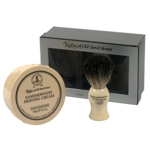 review of taylor of old bond street pure badger brush and sandalwood gift box set beard. Black Bedroom Furniture Sets. Home Design Ideas